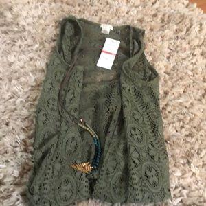 Short sleeve lace vest